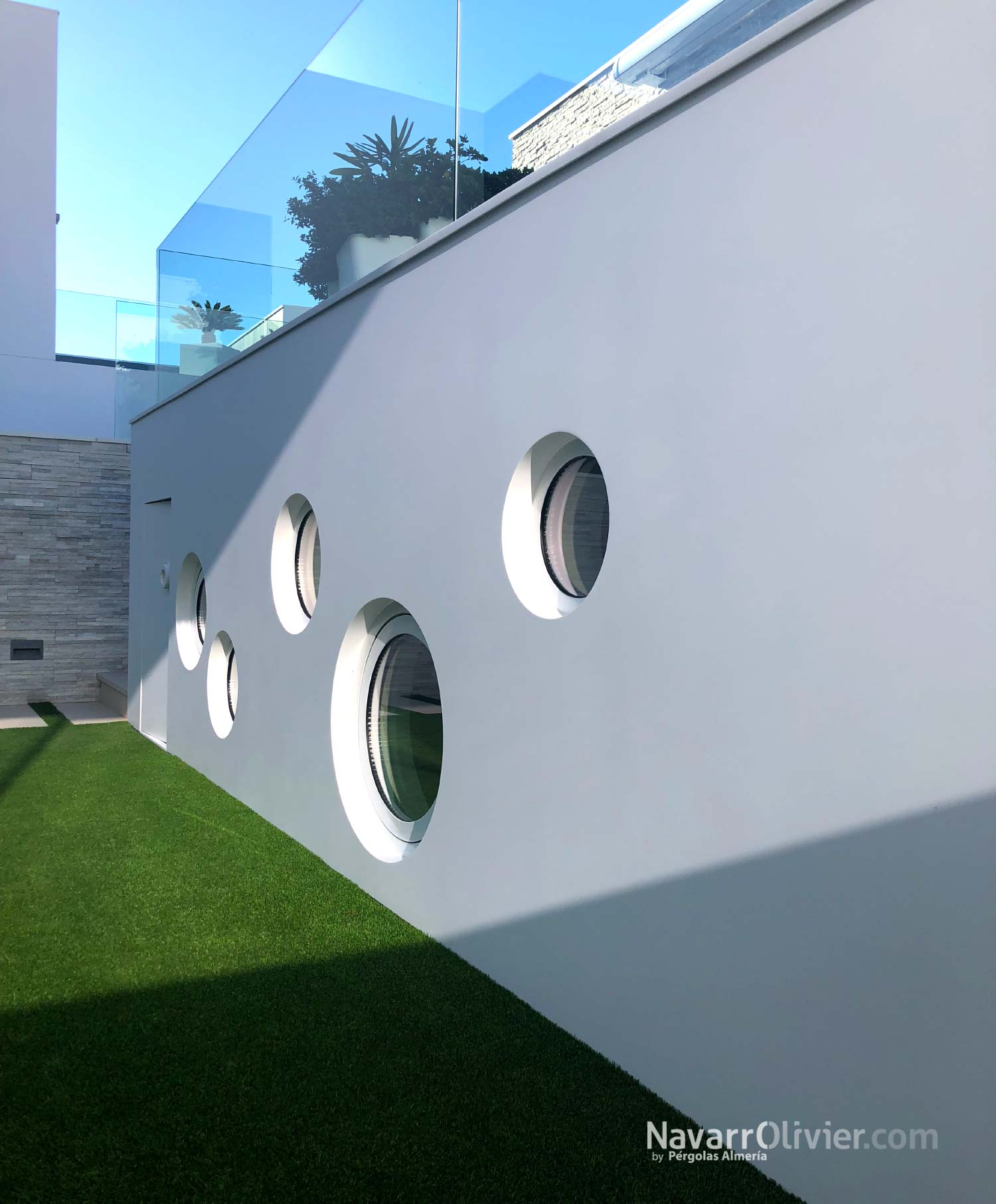Revestimento exterior continuo en Krion solid surface