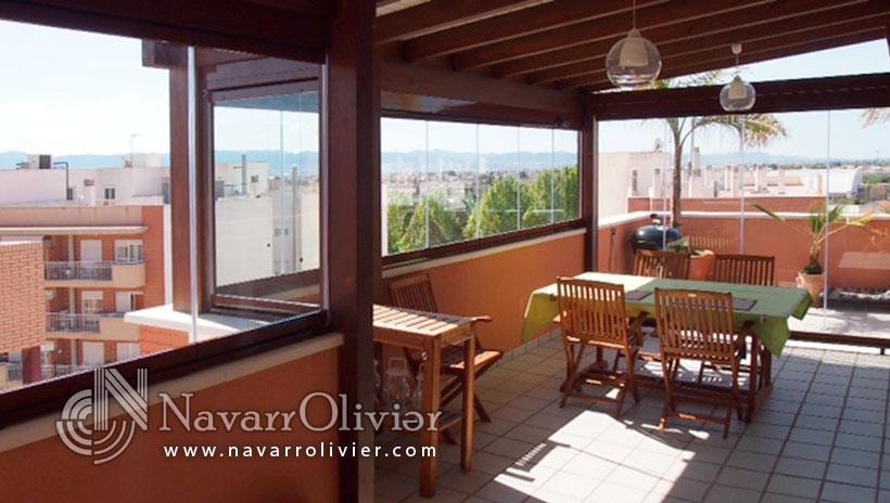 Cerramiento de tico p rgola de madera y cortina de cristal almer a - Pergola terraza atico ...