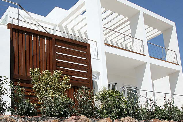 Estructura decorativa en madera para exterior, Macenas Golf and resort.